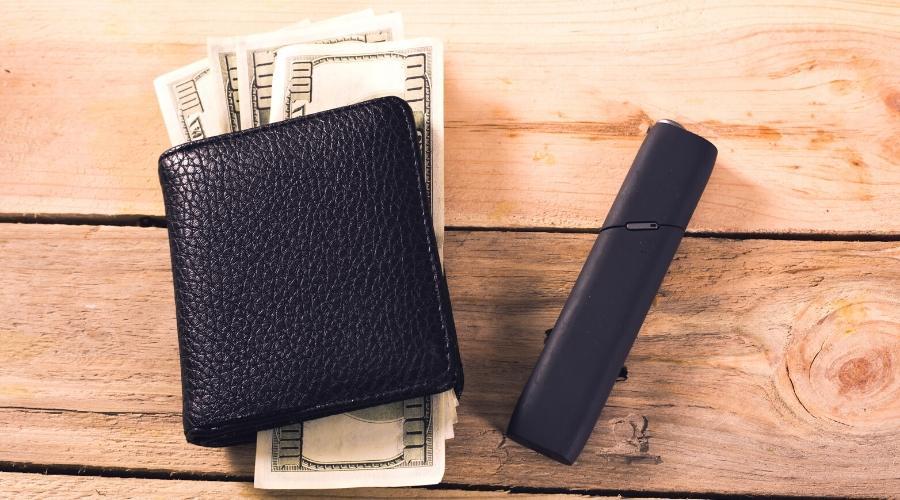 IQOS 3 milti и кошелек с деньгами